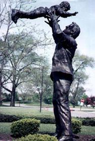 Amrany/Rottblatt - Standing Tall - Sculpture