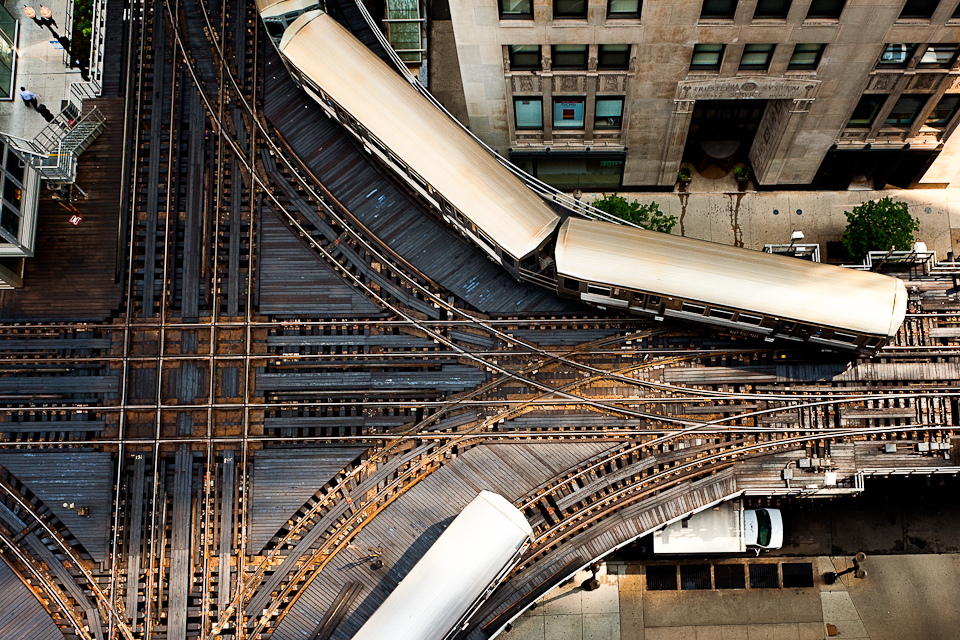 chicago-l-trains-aerial-photo