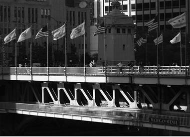 chicago-michigan-avenue-bridge-photo